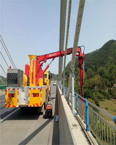 20米臂架式桥检车图片